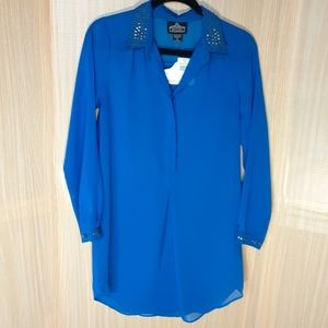 Angie  NWT sheer tunic blouse. Size small